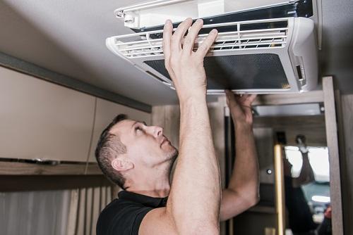 installer une grille de ventilation à encastrer